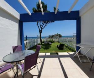 Řadový dům přímo na pláži s vynikajícím potenciálem pro investici